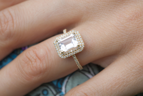 why-go-to-a-custom-jeweler-when-shopping-for-an-engagement-ring-elite-jewlers